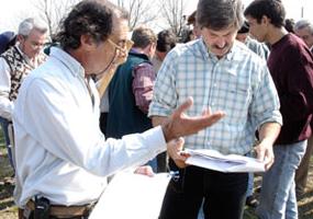 Explicando información Breedplan al Dr. Daniel Scioli